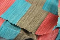 Foulard artisanal tissé main en soie du Laos de grande taille