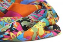 Foulard carré en soie orange à motifs indiens pas cher