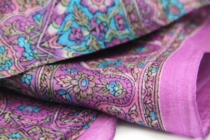 Foulard violet en soie femme