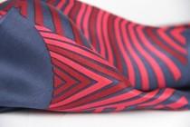 Foulard carré en soie haute Couture de marque