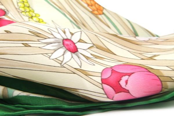 Carré en soie Japonais