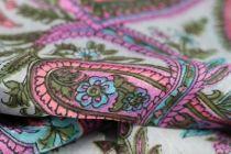 Foulard en soie à motifs cachemire paisley fait main en Inde