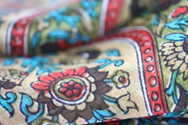 Foulard en soie Mangalore