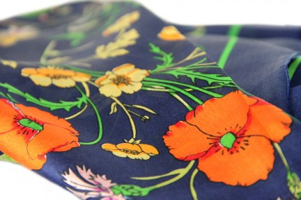 Foulard en soie fleuri années 50