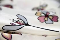 Carré en soie blanc fleuri