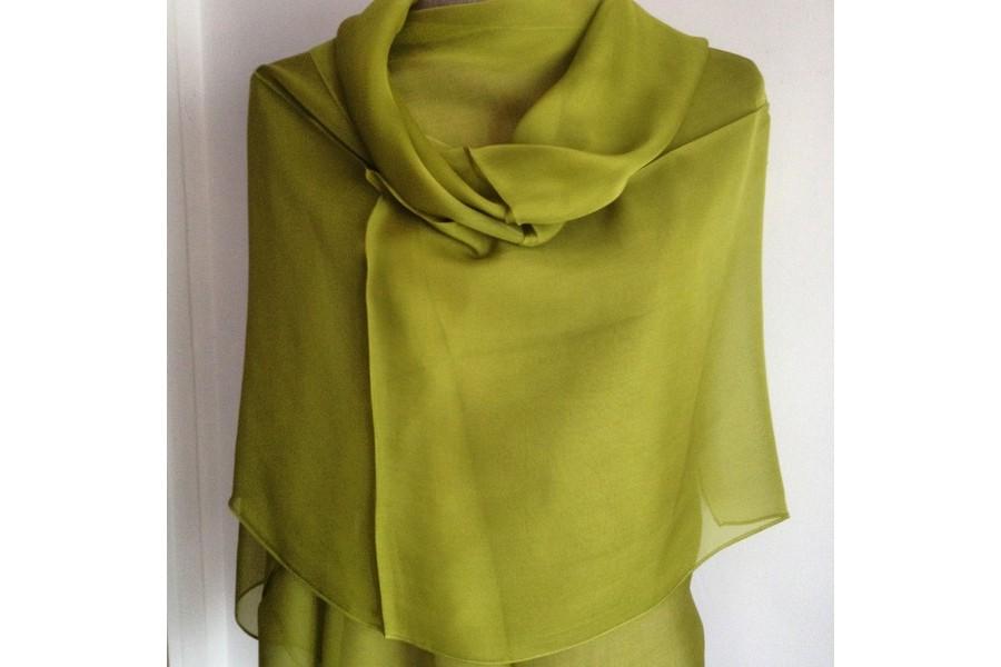 Etole en soie vert anis 7a7b636da13