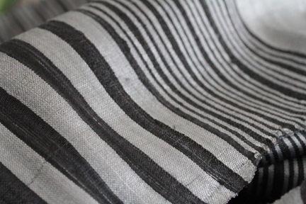 Etole en soie noire