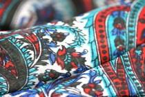Foulard carré en soie haut de gamme
