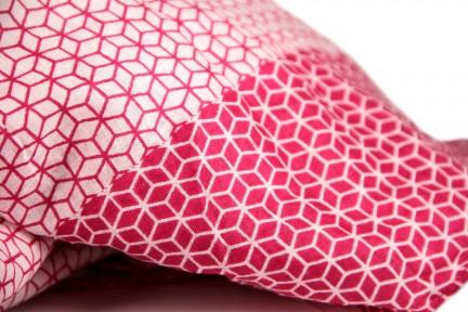 comment faire un emballage paquet cadeau avec un foulard. Black Bedroom Furniture Sets. Home Design Ideas