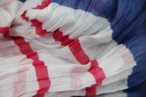 Chèche blanc, bleu marine et rose