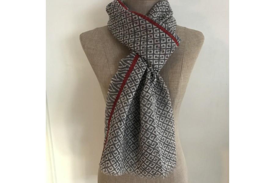 af3a79a0362f Echarpe en laine artisanale