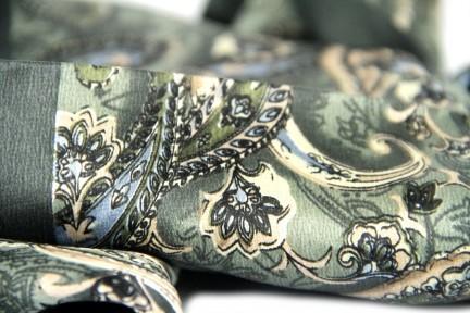 Acheter un foulard en soie homme motif cachemire indien