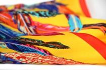 Foulard en soie jaune pour homme et femme