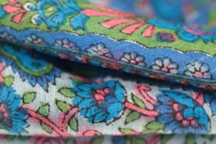 Foulard carré en soie