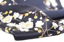 Carré en soie moderne épais, grand et doux