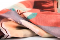 Foulard bleu ciel pastel pale en soie