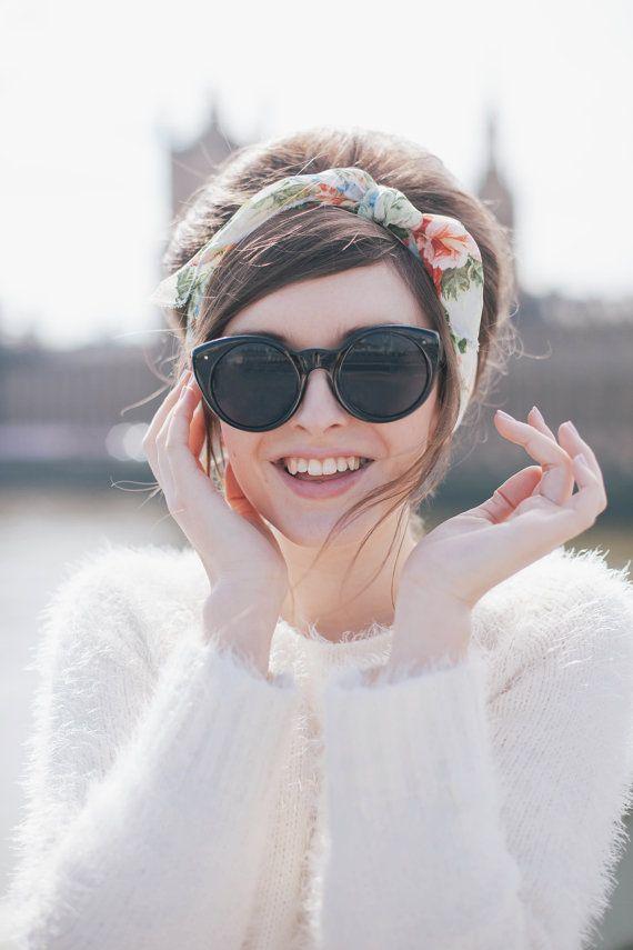 nouer foulard cheveux longs