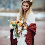 Comment, nouer porter, mettre une étole mariage sur sa robe de mariée?