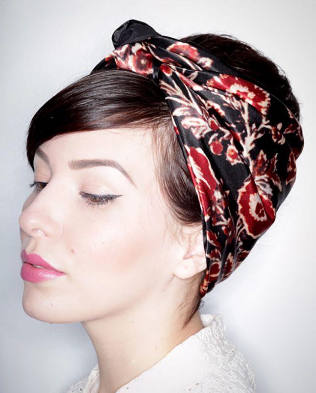 technique nouer foulard cheveux