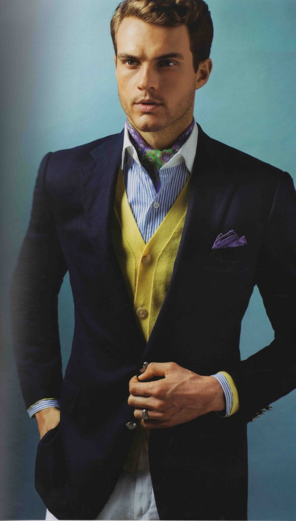 comment et quel foulard porter avec chemise d 39 homme. Black Bedroom Furniture Sets. Home Design Ideas