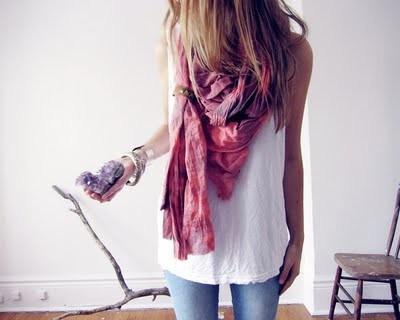 enlever toutes les taches sur la soie tach e d tacher un foulard en soie. Black Bedroom Furniture Sets. Home Design Ideas