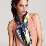 Taille, dimensions pour foulard carré