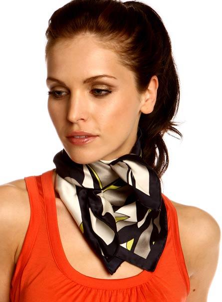 noeud foulard carre