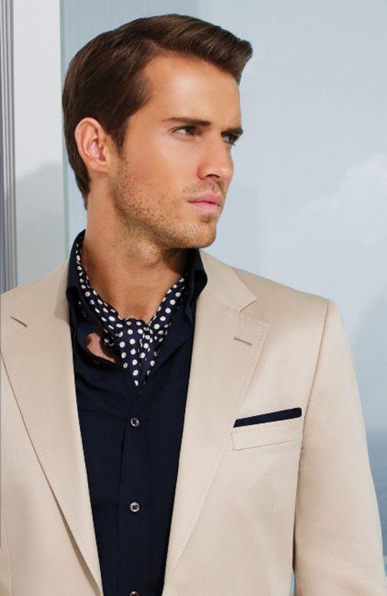 Comment porter un foulard homme - Comment porter un petit foulard carre ...