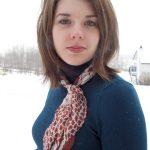 Comment porter un un pull à col roulé ou oversize avec un foulard ?
