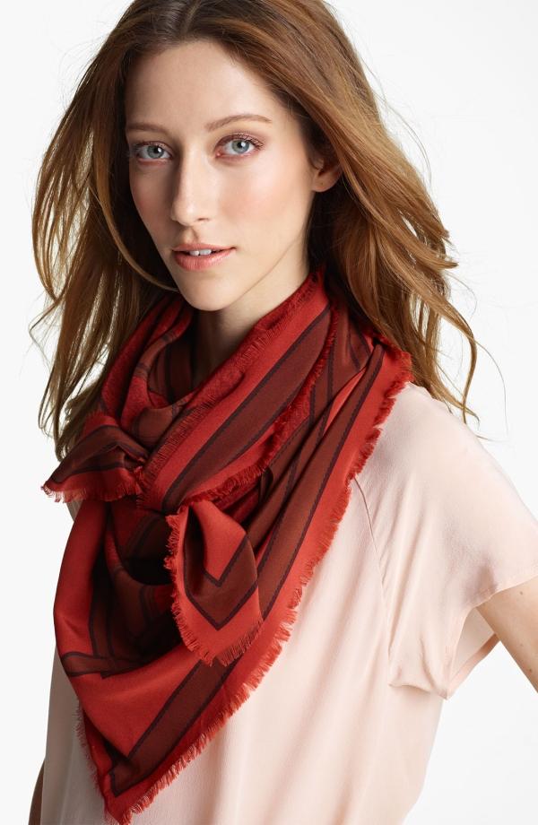 noeud foulard dame