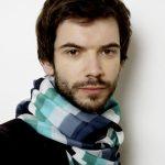 Comment porter et nouer un foulard pour homme autour du cou ?