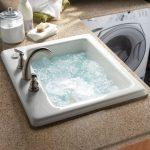 Lavage, nettoyage et repassage de la rayonne en machine ou à la main