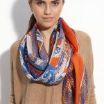 Foulard ou écharpe à motif cachemire, écossais ou couleur unie