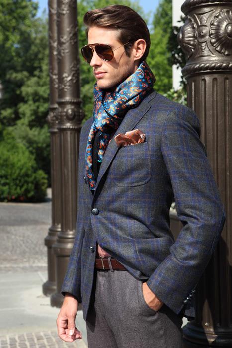 porter foulard homme