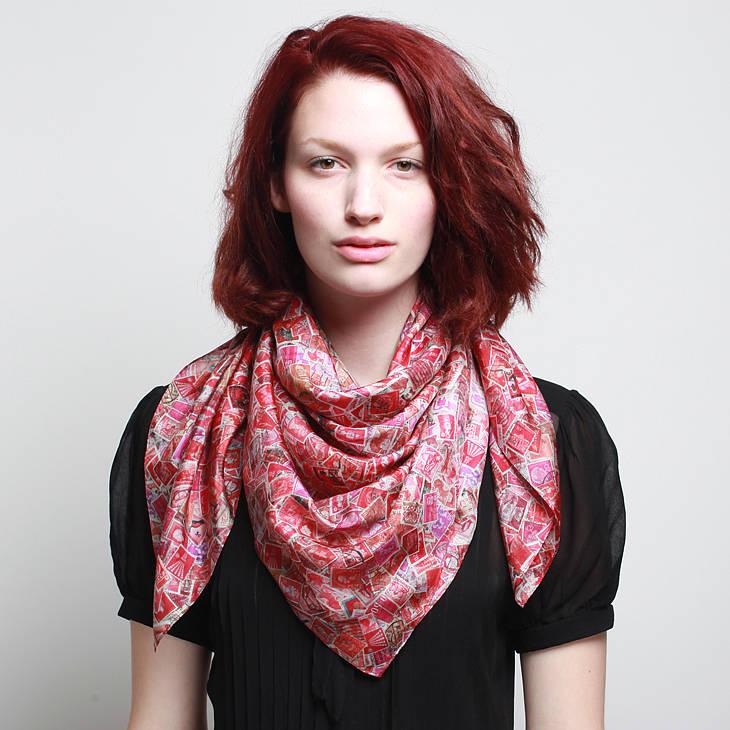 Assez Comment mettre, nouer porter un foulard carré pour une femme? QU51