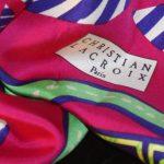 Foulards et carrés en soie de la marque Lacroix - Histoire des marques