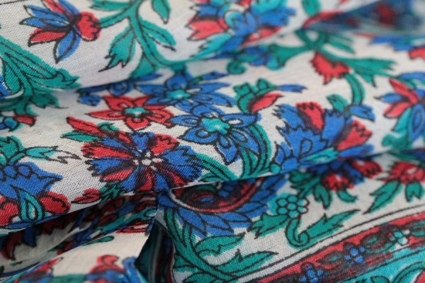 fd546355b5a Acheter un foulard en soie