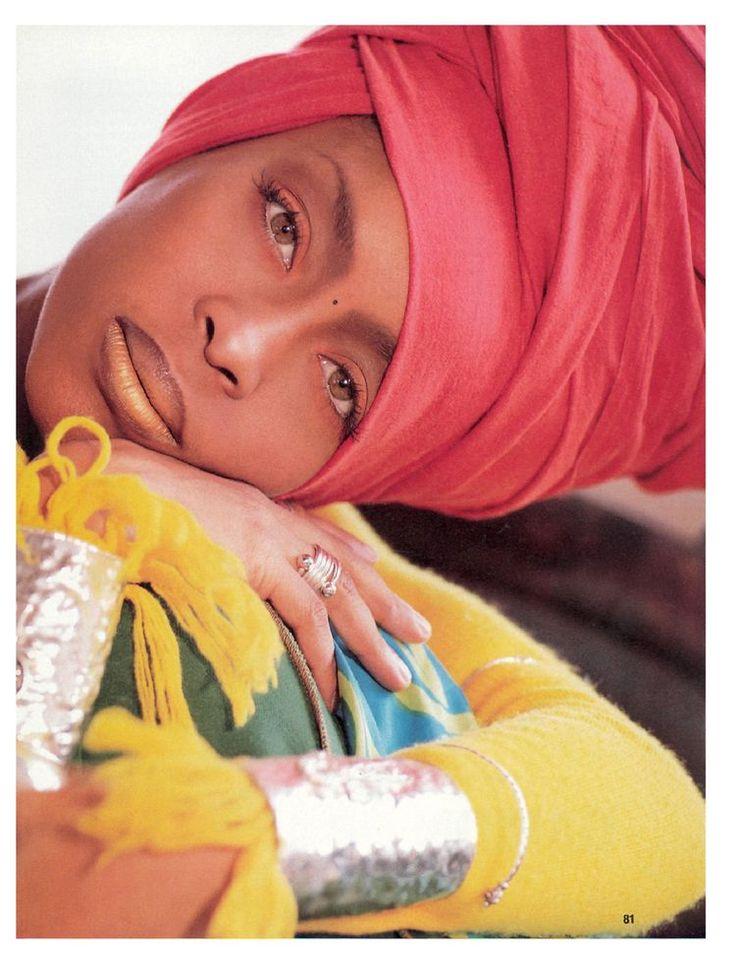 attacher foulard comme Erykah Badu