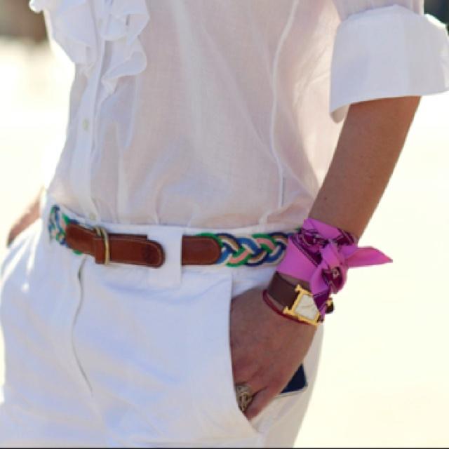 foulard autour du bras