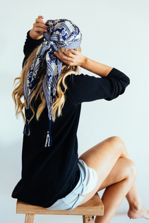 porter foulard rectangle cheveux