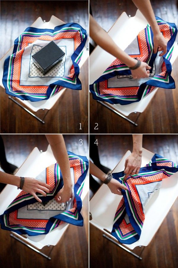 Faire emballage paquet cadeau foulard