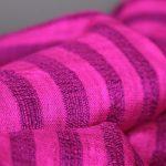 Tissus et foulard de soie en haute couture de luxe haut de gamme