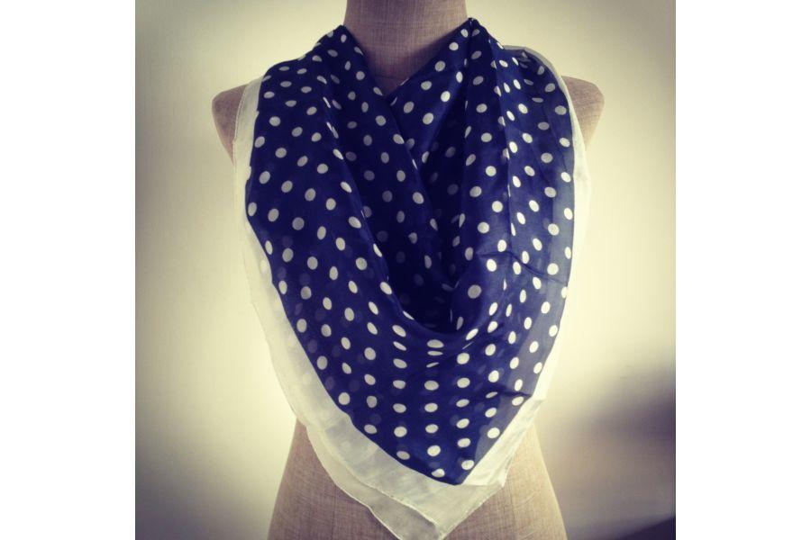 echarpe foulard a pois