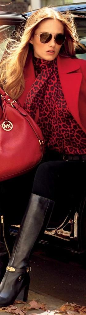 quel foulard avec manteau rouge
