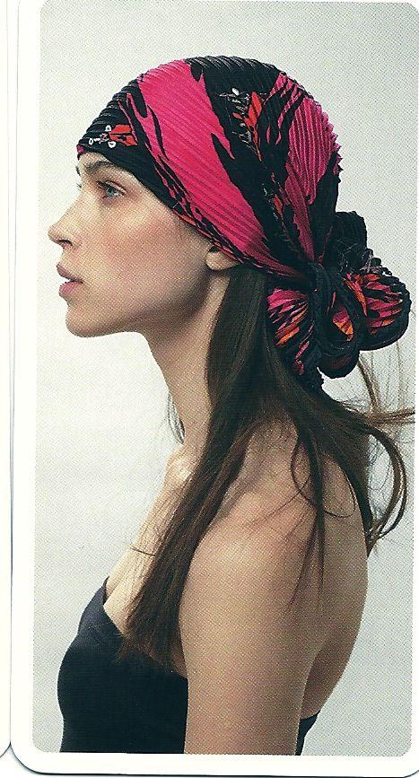 comment nouer foulard plisse