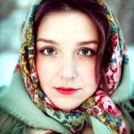 Comment porter un châle en laine Orenbourg pashmina russe traditionnel?