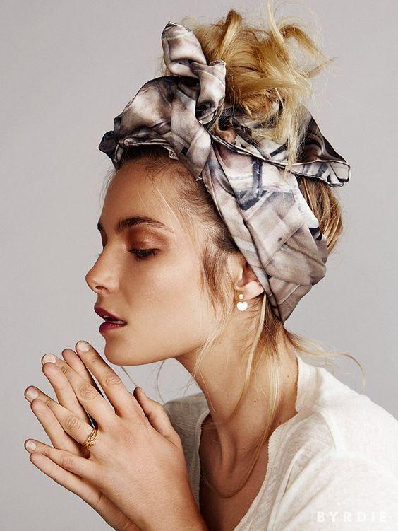 comment porter nouer un foulard en soie