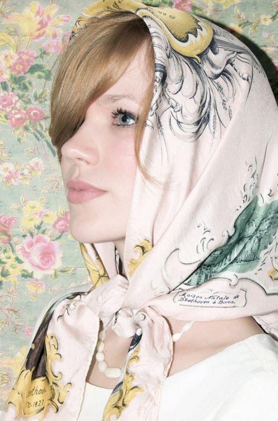 nouer foulard femme