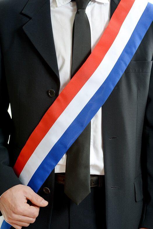 prix de liquidation dernière mode sélection premium Comment porter écharpe de maire ou adjoint au maire ?