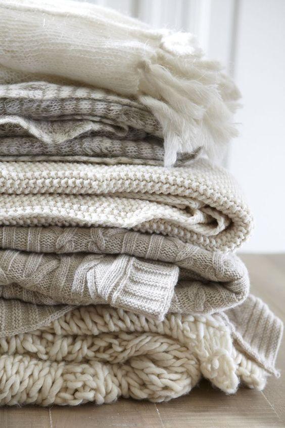e97248be43 Dans tous les styles, de tous les motifs, uni ou en couleur, brodés,  imprimées ou cousus main, voilà les types de tissu et la façon idéale d'en  prendre soi ...